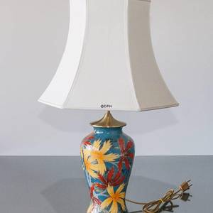 Chinese table lamp with golden leaves