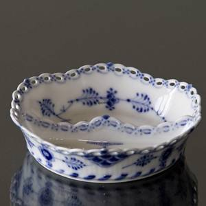 Blue Fluted, full lace, round pickle dish 11cm