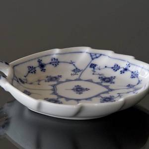 Blue Fluted, Plain, leaf-shaped pickle dish, small 19cm | No. 1-143 | DPH Trading
