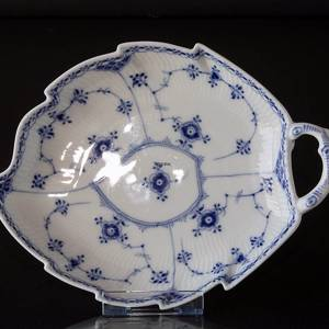 Blue Fluted, Half Lace, Leafshaped Pickle Dish 27 cm, Royal Copenhagen | No. 1-549 | DPH Trading