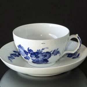 Blue Flower, Braided,Morning cup and saucer, Royal Copenhagen | No. 10-8042 | DPH Trading