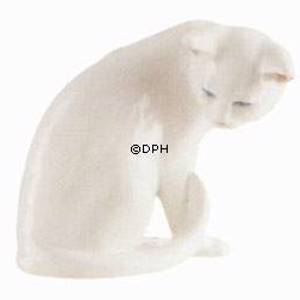 White Cat sitting, Royal Copenhagen figurine | No. 1003301 | Alt. 1003301 | DPH Trading