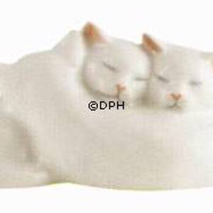Three white kittens, Royal Copenhagen figurine | No. 1003304 | Alt. 1003304 | DPH Trading