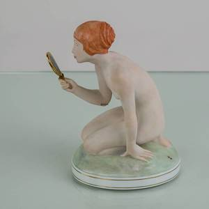 Girl with mirror, Royal Copenhagen Royal Copenhagen overglaze figurine no. 1244 | No. 1007093 | Alt. r1244-o | DPH Trading