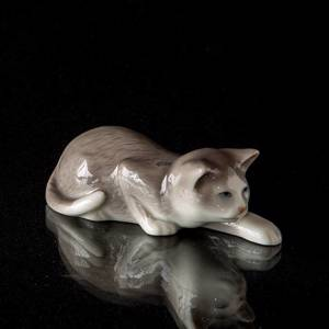 Leo, Cat on the prowl, Royal Copenhagen figurine | No. 1020686 | Alt. 1020686 | DPH Trading