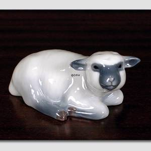 Lamb, Lying down looking curiously up, Royal Copenhagen figurine | No. 1020756 | Alt. 1020756 | DPH Trading