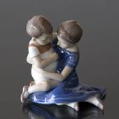 Children playing embracing, Bing & Grondahl figurine no. 1568