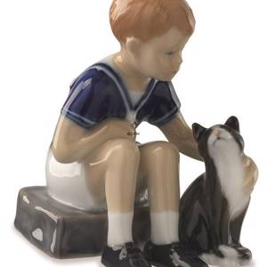 Jens with his cat Felix, Royal Copenhagen figurine | No. 1021684 | DPH Trading