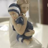 Else hugs her mom, Royal Copenhagen figurine