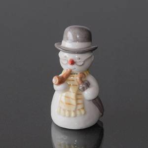 Snowman, Grandfather with Pipe, Royal Copenhagen winter figurine | No. 1021766 | Alt. 1021766 | DPH Trading