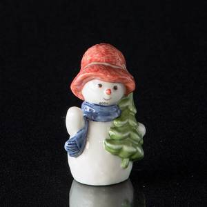 Snowman Girl with Christmas Tree, Royal Copenhagen winter series figurine | No. 1021772 | Alt. 1021772 | DPH Trading