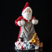 2018 The Annual Santa, Santa with gifts, figurine