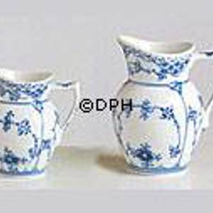 Blue Fluted, Half Lace, small Cream Jug, Royal Copenhagen | No. 1102392 | Alt. 1-521 | DPH Trading