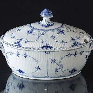 Blue Fluted, Full Lace, Soup tureen with Cover, capacity 200 cl., Royal Copenhagen | No. 1103181 | Alt. 1-1109 | DPH Trading