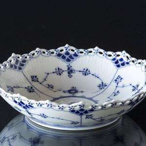 Blue Fluted, Full Lace, round Cake Dish, Royal Copenhagen 21cm | No. 1103577 | Alt. 1-1018 | DPH Trading