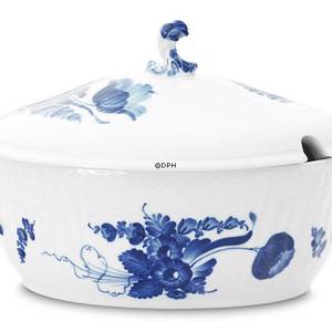 Blue Flower, Curved, oval Tureen with cover, capacity 200 cl., Royal Copenhagen | No. 1106181 | Alt. 10-1666 | DPH Trading