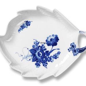 Blue Flover, Curved, Leaf Shaped Pickle dish, Royal Copenhagen 23cm | No. 1106357 | Alt. 10-1599 | DPH Trading