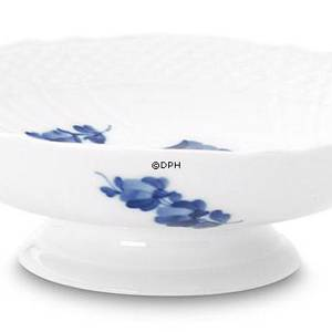 Blue Flower, Curved, Round Cake Dish on low foot, Royal Copenhagen ø18cm | No. 1106427 | Alt. 10-1532 | DPH Trading
