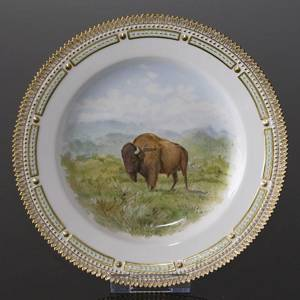 Fauna Danica plate with bison, Royal Copenhagen | No. 1141624-12 | DPH Trading