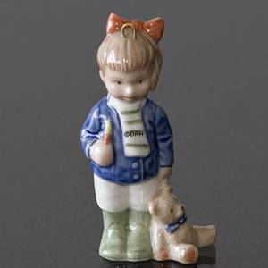 The Childrens Christmas 2000 Charlotte, Figurine Ornament, Girl with dog, Royal Copenhagen | Year 2000 | No. 1246740 | DPH Trading