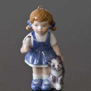 Figurine Ornament 2001, The Childrens Christmas, Girl with cat, Sophia, Royal Copenhagen | Year 2001 | No. 1246742 | DPH Trading