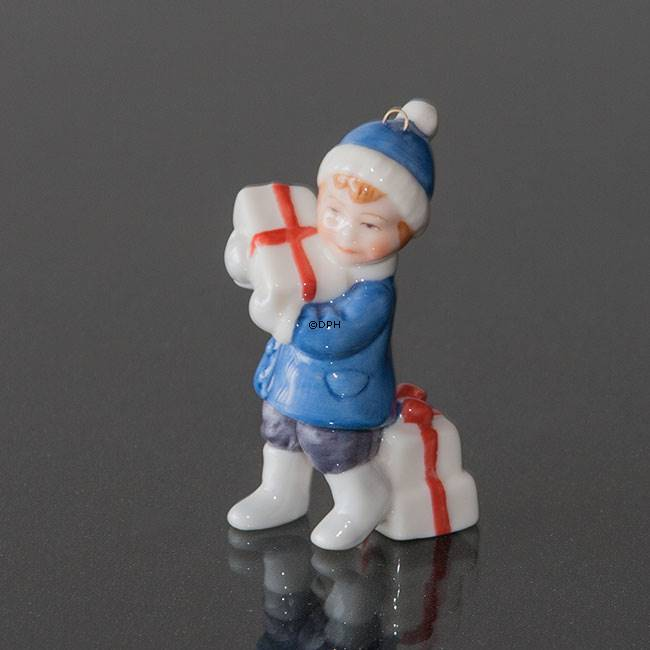 Girl Royal Copenhagen 2005 Figurine Ornament 1249155