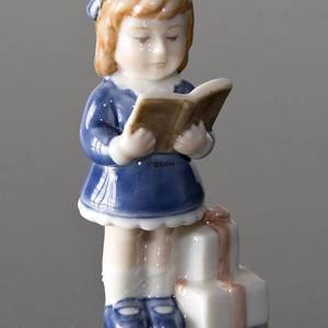 Figurine Ornament Girl | No. 1246998 | DPH Trading