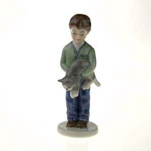 Annual Figurine 2001, Boy with cat, Royal Copenhagen
