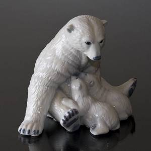 Polar Bear with Cubs, Royal Copenhagen figurine no. 087