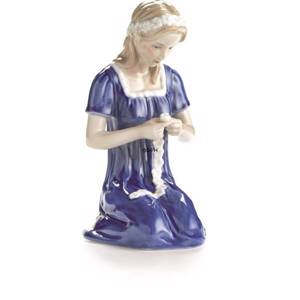 Young Lady tying a Bouquet, Royal Copenhagen figurine | No. 1249273 | DPH Trading