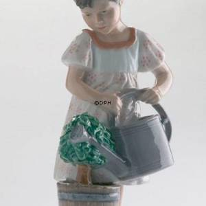 Girl with watering can, Royal Copenhagen figurine | No. 1249408 | DPH Trading