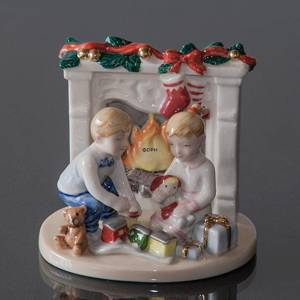 Clara & Peter by the fireplace, Royal Copenhagen figurine