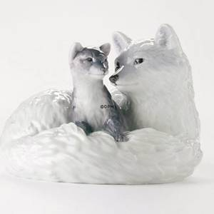 Arctic fox with puppy, Royal Copenhagen figurine