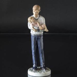 Father with sleeping girl , Royal Copenhagen figurine | No. 1249548 | DPH Trading