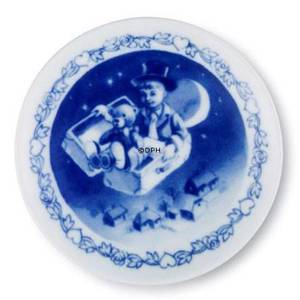 Hans Christian Andersen Plaquette with The Flying Trunk, Royal Copenhagen | No. 1249628 | DPH Trading