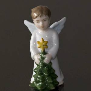Annual Little Angels 2010, Boy with Christmas tree, Bing & Grondahl | Year 2010 | No. 1249819 | DPH Trading