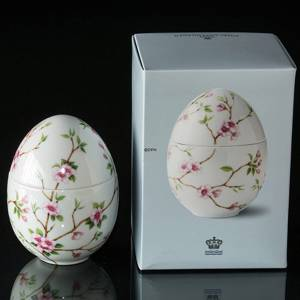 Standing bonbonniere with cherry, Royal Copenhagen Easter Egg 2018 | Year 2018 | No. 1249998 | Alt. 1024790 | DPH Trading