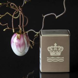 Easter egg with magnolia petals, Royal Copenhagen Easter Egg 2019 | Year 2019 | No. 1252008 | Alt. 1027144 | DPH Trading