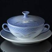 Seagull Service without gold bouillon cup, capacity 3 dl., Bing & Grondahl ...
