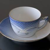 Seagull Service with gold, tea Cup and Saucer, large, capacity 22,5 cl...