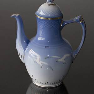 Seagull Service with gold coffee pot, capacity 150 cl, Bing & Grondahl Royal Copenhagen | No. 1303126 | Alt. 3-301 | DPH Trading