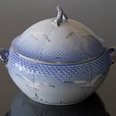 Seagull Service with gold tureen with lid, capacity 300 cl, Bing & Grondahl...