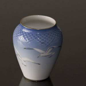 Seagull Service with gold, vase, small