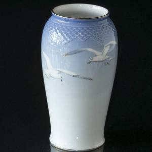 Seagull Service with gold, large vase, Bing & Grondahl - Royal Copenhagen