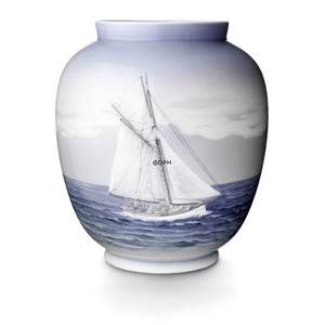 Vase, with seascape, Royal Copenhagen
