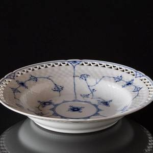 Blue traditional deep plate 21 cm full lace, Bing & Grondahl | No. 1415604-B | Alt. 15-323,6 | DPH Trading