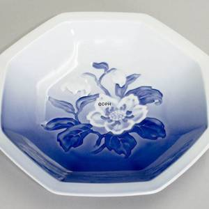 Angular bowl Christmas rose Service Bing & Grondahl 20cm