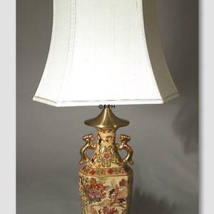 Chinese table lamp with cranes