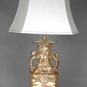 Chinese table lamp with flower