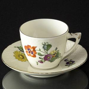 Saxon Flower Coffee Cup and Saucer, capacity 12,5 cl., Bing & Grondahl | No. 1500071 | Alt. 1500102 | DPH Trading